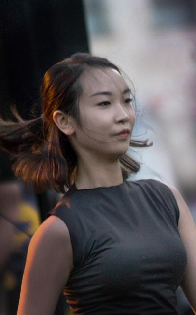 A dancer from the Sungsoo Ahn Pick-up Group from South Corea